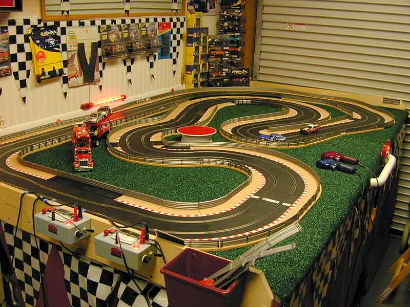 drag slot car racing with 2005 1 on 2005 1 as well POD 030803 additionally Slotters weebly further Index also 143763413078663492.